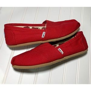 Toms Classic Red Slip Ons Size 10 Wide